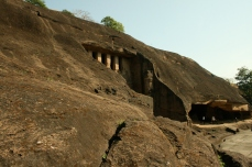 Alte Tempelanlage im Sanjay Gandhi National Park